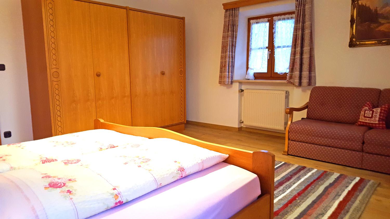 Schlafzimmer andere seite.jpg