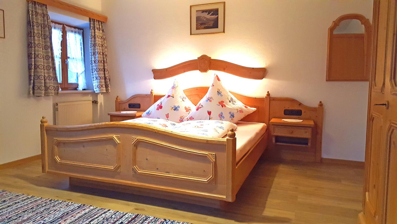 2 Fewo Schlafzi, Erdgeschoss, blaue Raumgest..jpg